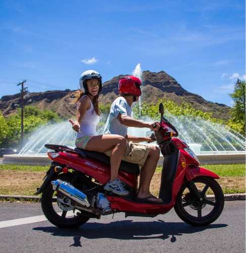 Cruise the Crater - Diamond Head Moped and Scooter Tour
