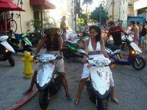 2-ladies-on-mopeds
